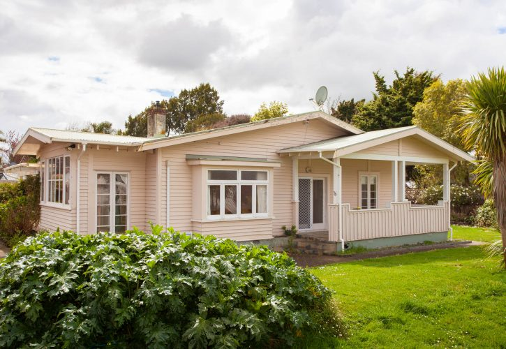 Beautiful Bungalow With Huge Potential-Relocation included within 100km