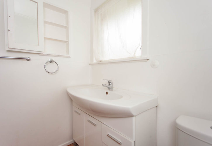 Small rental property for sale for removal
