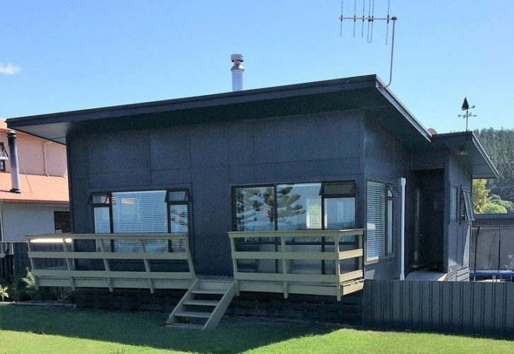 Snazzy Bach or Minor Dwelling – For Sale – Relocation Included